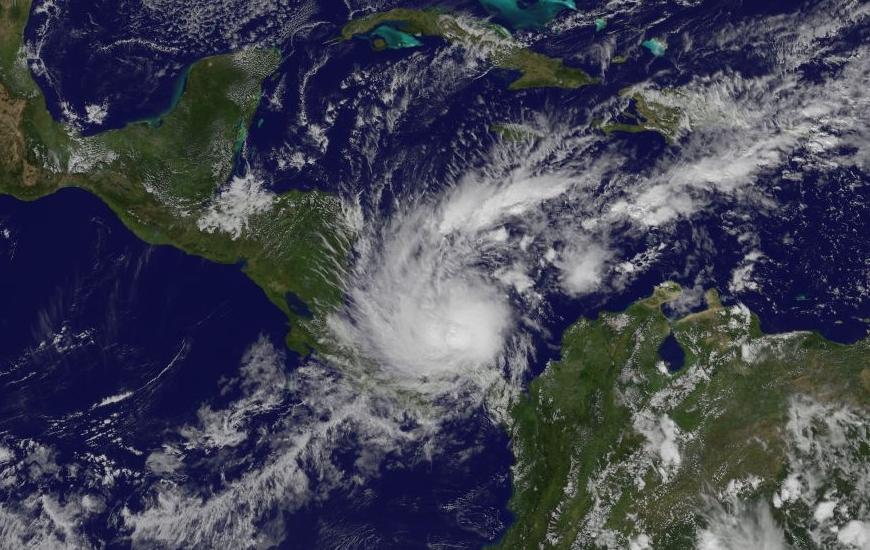 Hurricane Otto satellite_274414