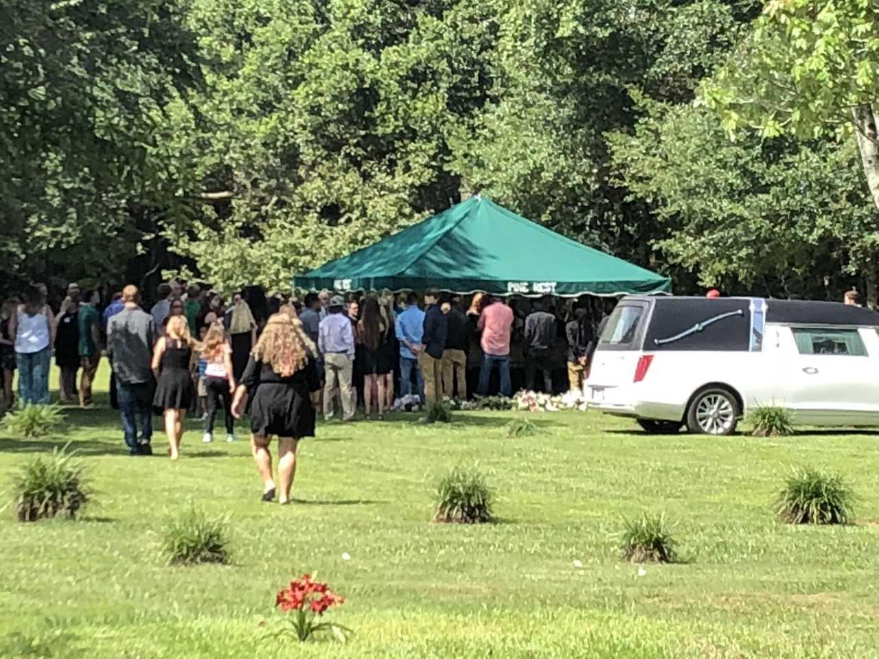 funeral 5_1534200590636.jpg.jpg