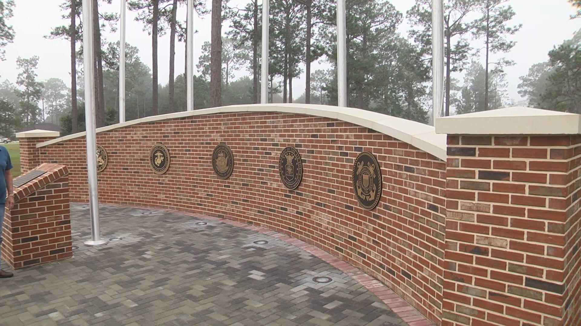 Loxley_Veterans_Monument_1_20181107153922