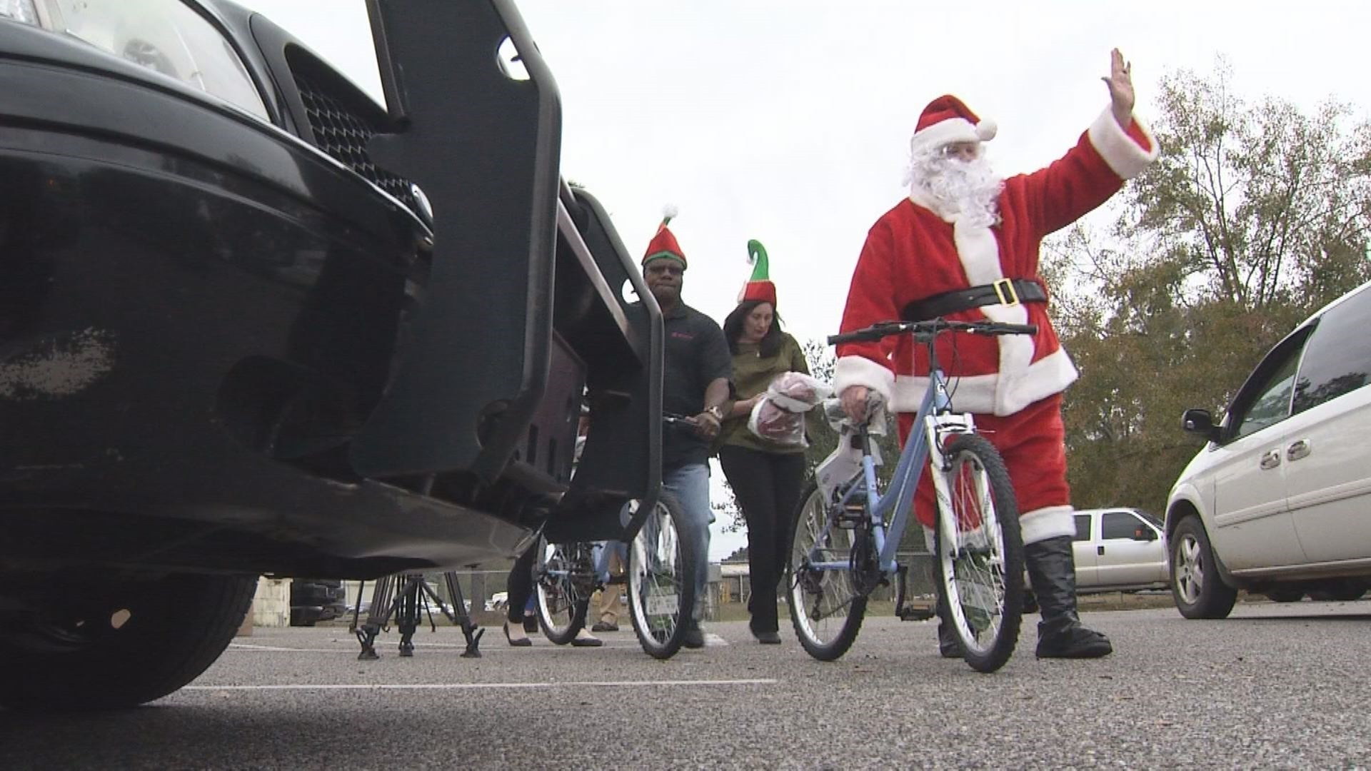 VIDEO: Mobile County Deputies give Santa a hand by giving out dozens of bikes