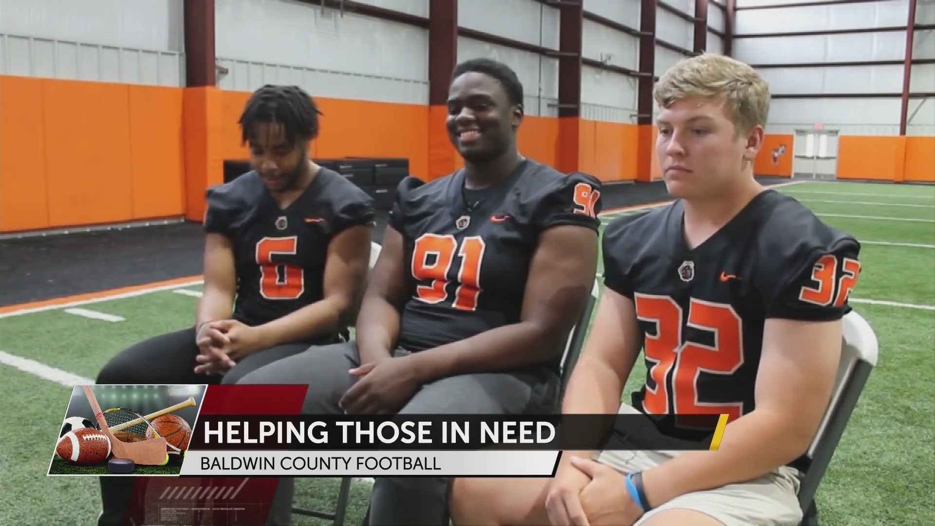 Baldwin County Football Players go Above and Beyond for Community