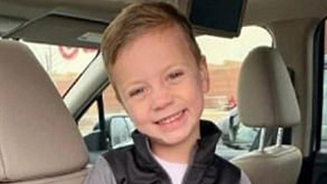 Boy thrown off third story at Mall of America_1555668472188.jpg_83240177_ver1.0_640_360_1555676059711.jpg.jpg