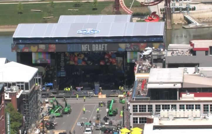 NFL Draft preparations_1555951661552.JPG-118809306.jpg