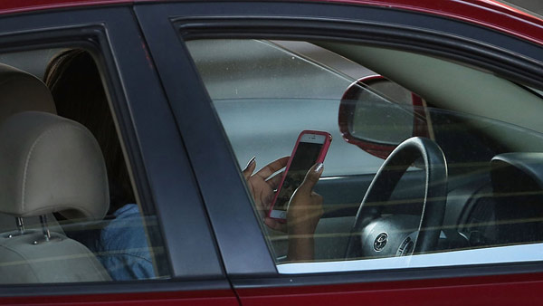 texting-and-driving-2_434016