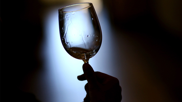 wineglass_1558039228021_87829508_ver1.0_640_360_1558056857547.jpg