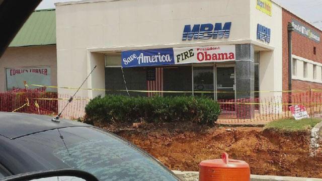 Obama sign taken down_42677