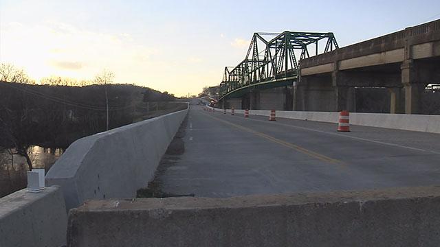 Bridge over Caney Fork River_248777