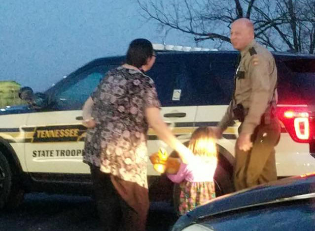 THP trooper saves Christmas_348672
