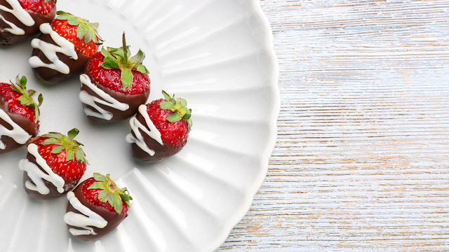 chocolate-covered-strawberries-recipes_1516397866083_334839_ver1-0_32155425_ver1-0_640_360_478442