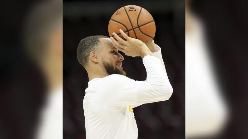 Warriors guard Stephen Curry.JPG