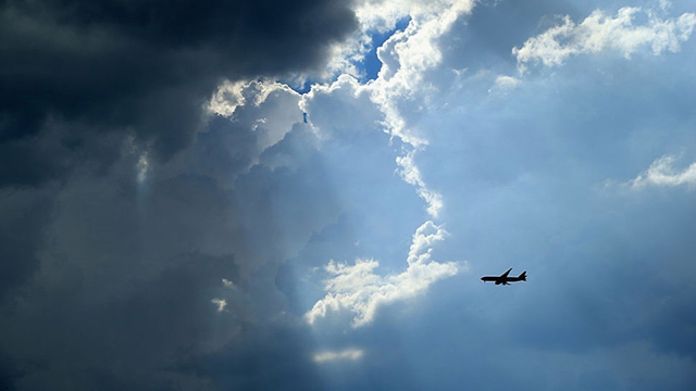 plane in flight generic