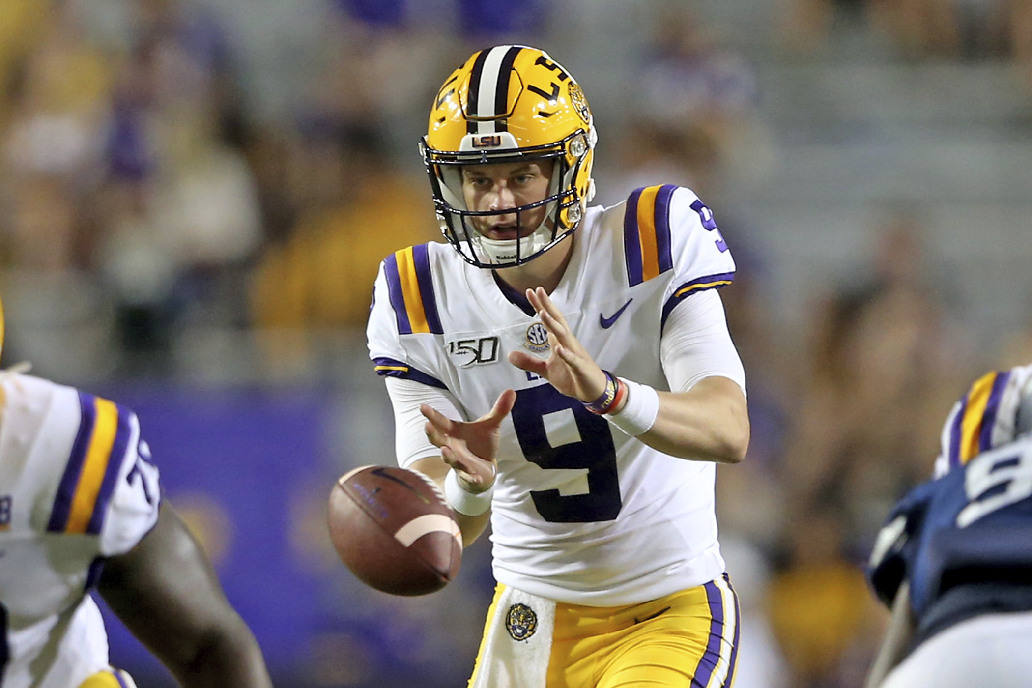official photos 12c07 6015e Joe Burrow named SEC Player of the Week for third time in ...