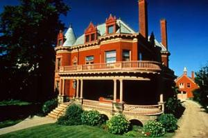 heritage hill home tour
