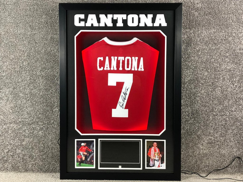 Wallpaper manchester united, the frenchman, eric cantona, king eric to download. King Eric Cantona Wallpaper - Steve