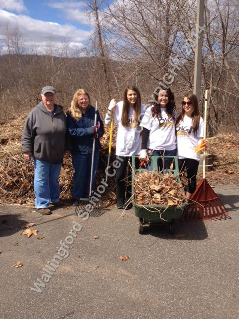 Quinnipiac University students and Wallingford Garden Club Members 013