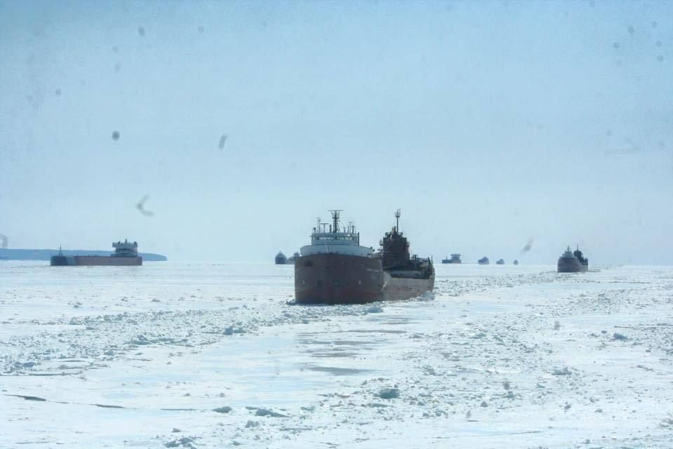 ships-caught-in-lake-superior-ice-field-dba53237b27c0613_35944