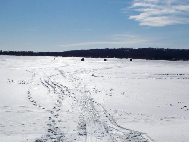 ice fishing_20424