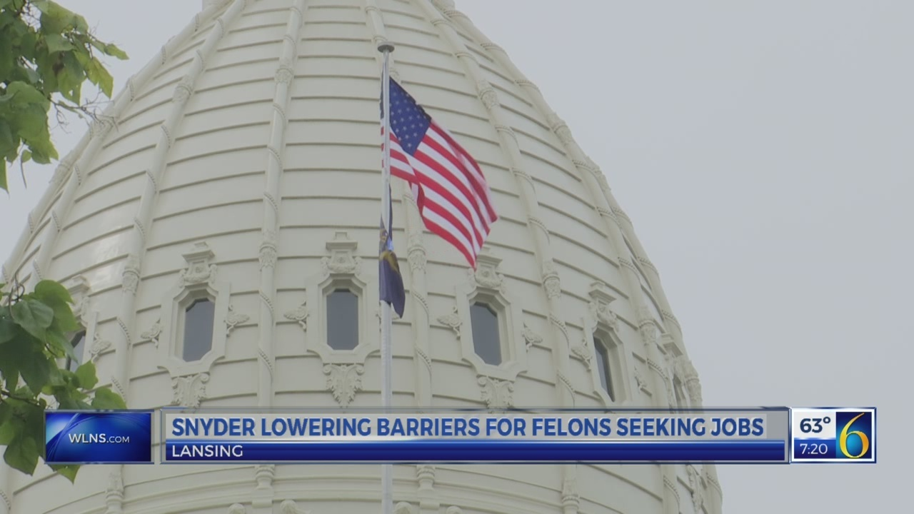 Snyder lowering barriers for felons seeking jobs