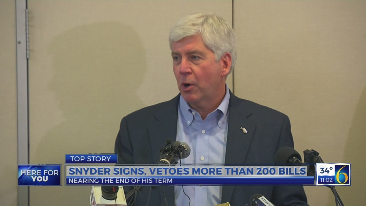 Snyder signs, vetoes more than 200 bills