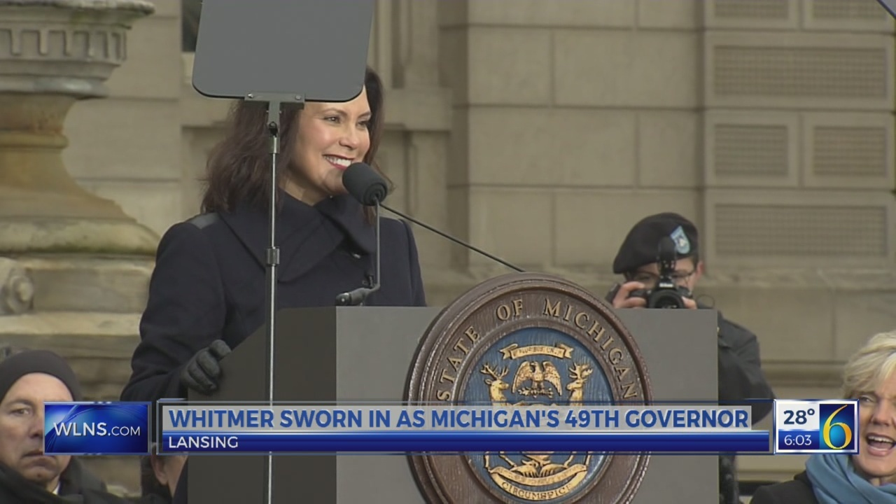 Whitmer gets sworn in