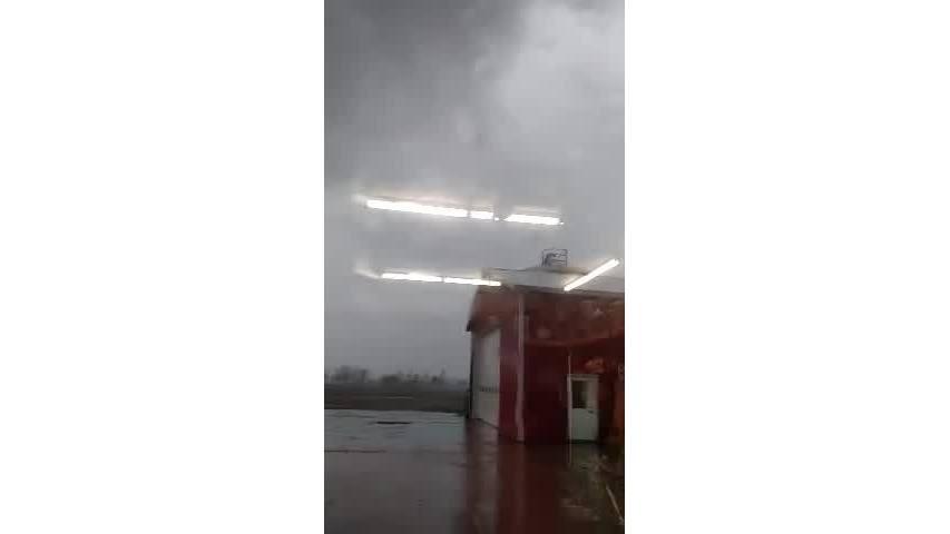 Tornado_video_shot_in_Bancroft__WARNING__0_20190315011559