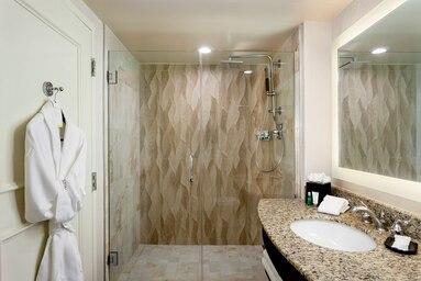laswi-guest-bathroom-4143-hor-clsc