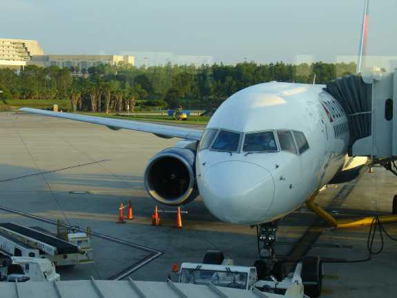Delta Airlines 757 at MCO