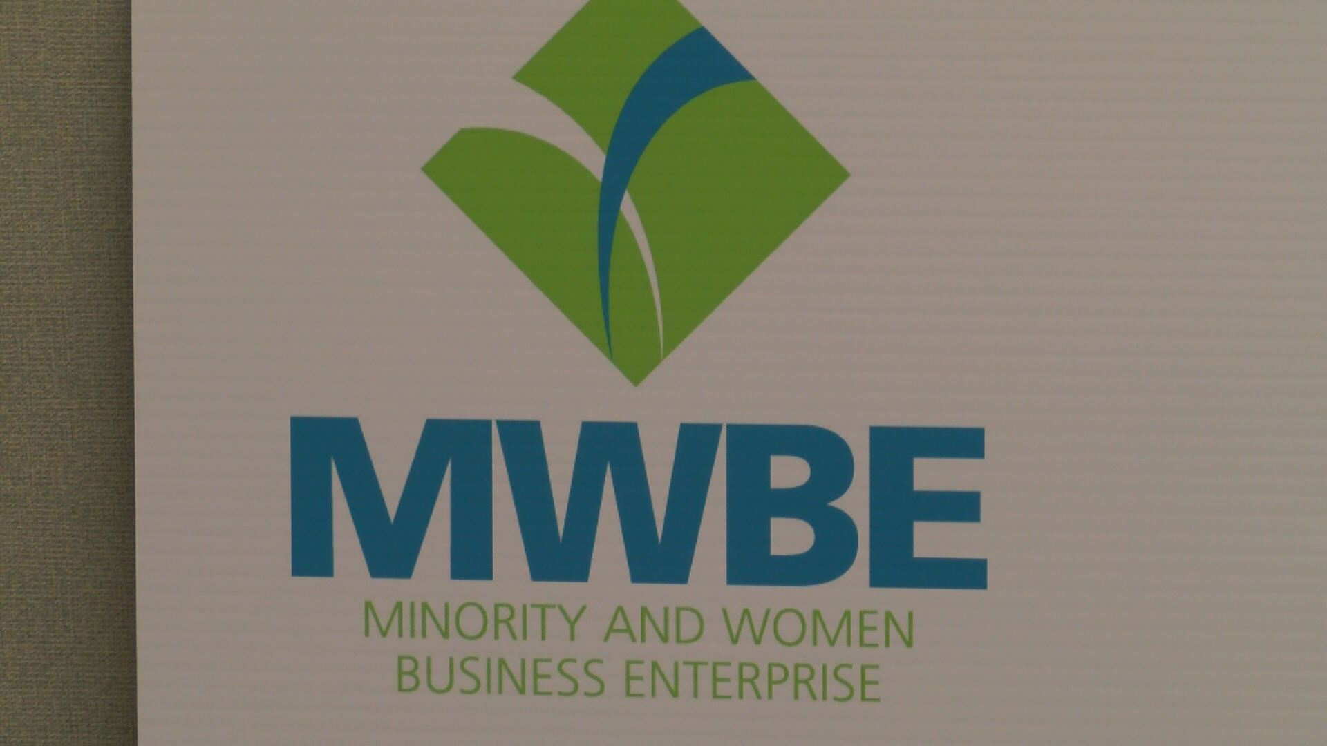 MINORITY WOMEN BUS_80270