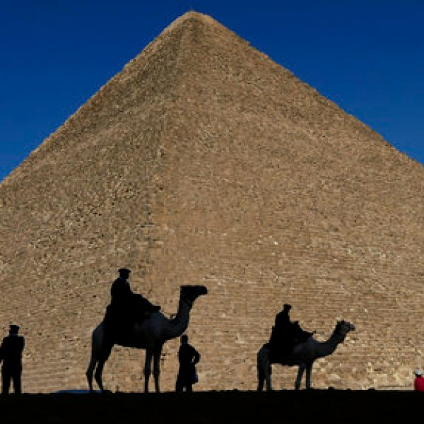 Egypt Great Pyramid_500317