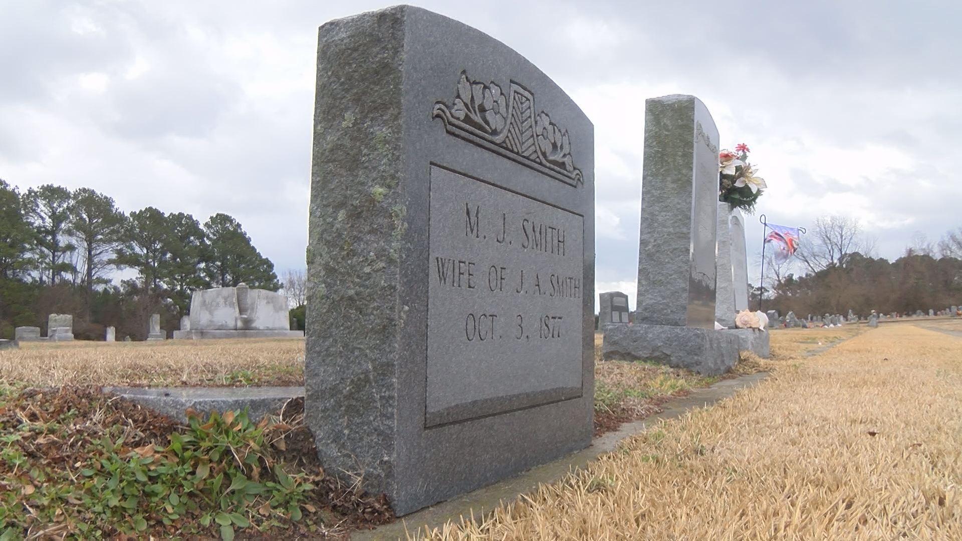 cemetery_550645