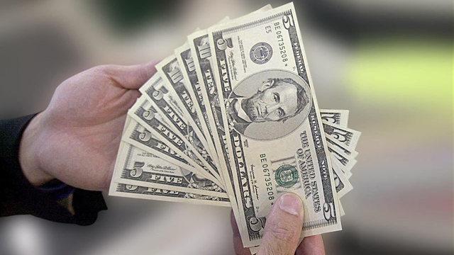 generic-hands-holding-cash-money_37795517_ver1.0_640_360_1523956380788_40024823_ver1.0_640_360_1551875050098_76156192_ver1.0_640_360_1551886935491.jpg