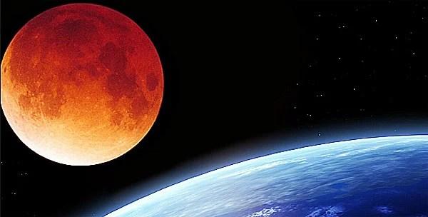 blood-moon-over-earth-600
