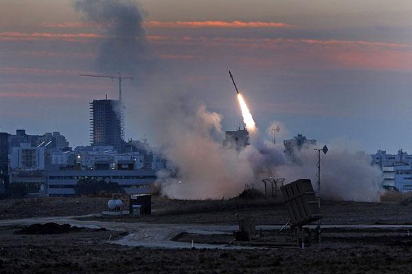 Israel - Hamas  'Hand of God sent missile into sea' (2/4)