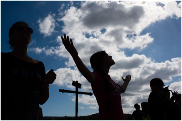 Cuban believers worshiping their king – Jesus