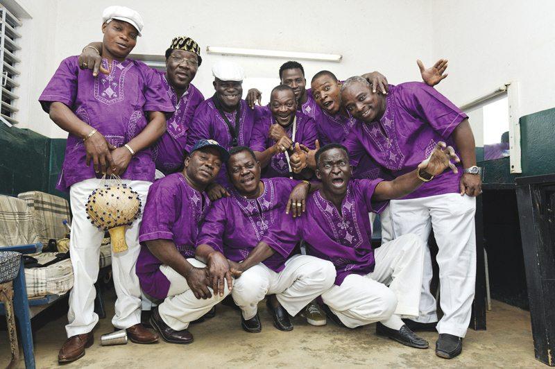 ©Youri Lenquette.Burkina-Faso. Bobo-Dioulasso. 03/2010. T.P Orchestre Poly-Rythmo de Cotonou. TournŽe d'Afrique de l'Ouest.