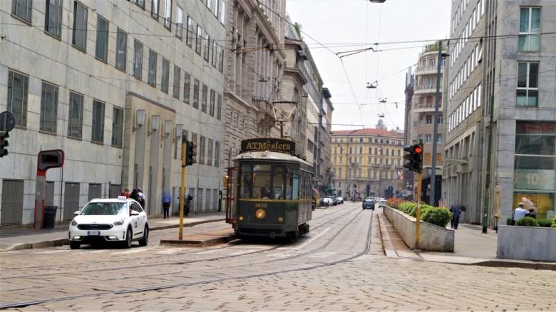 Tram Ristorante ATMosfera ist ein Restaurant auf Schienen in Mailand