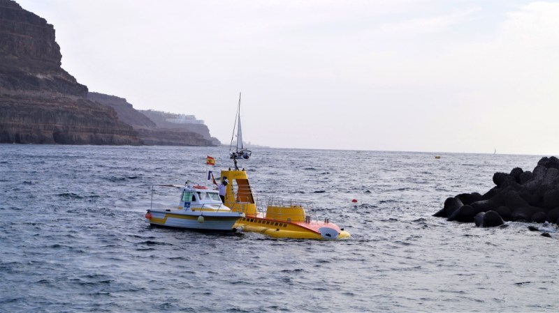 Yellow Submarine - ein U-Boot fährt in Puerto de Mogan