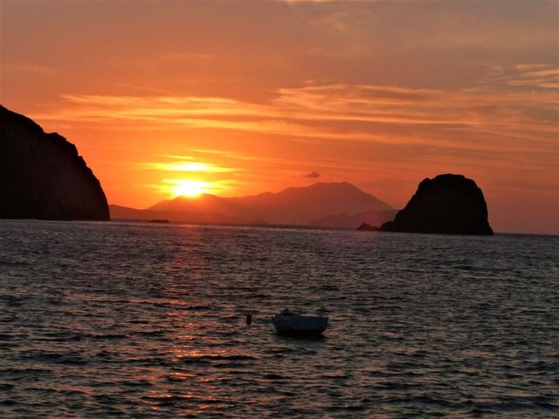 Die Sonnenuntergänge auf Milos sind umwerfend