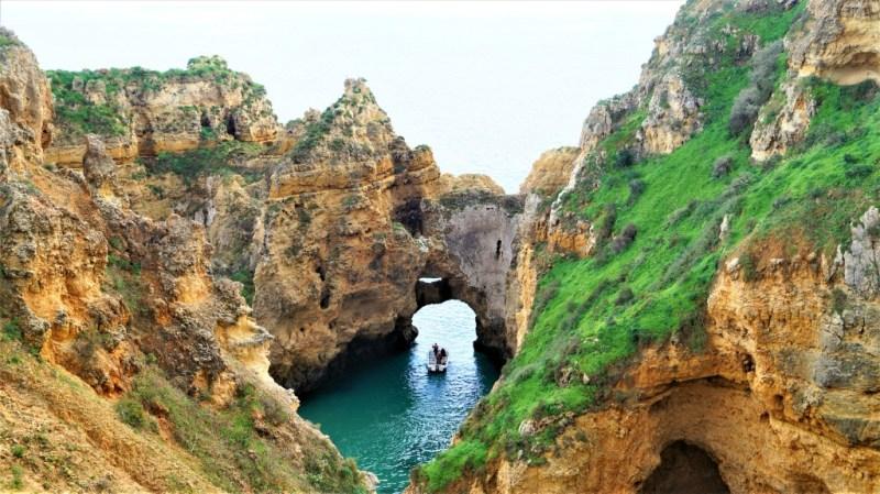 Mit dem Boot durch die Algarve