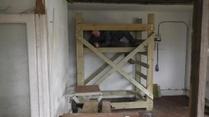 homemade-scaffolding-00053