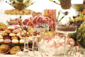 Choosing Sweets and Treats for Your Wedding Dessert Bar