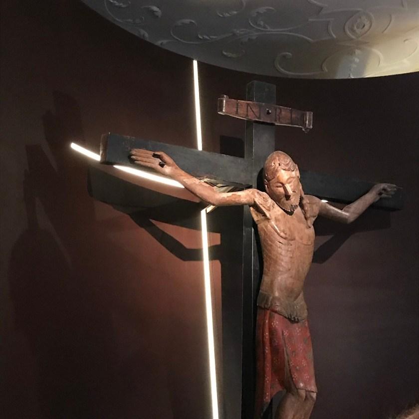 Romansiches Kruzifix