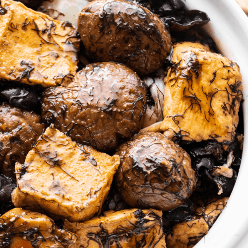 Bean curd and mushrooms in a pot