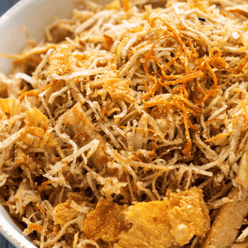 Close up of Bì Chay in a bowl.