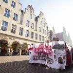 """""""Wem gehört die Stadt?"""" – Demonstranten fordern """"Soziales Zentrum"""""""