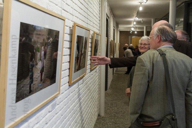Vernissage Geliebtes Afghanistan mit Professor Dr. Thomas Sternberg und Carl Wilhelm Macke von jhj. Foto: A. Hasenkamp, Fotograf in Münster.