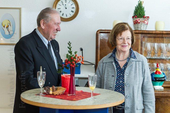 Horst-Herbert Camen mit Wendela-Beate Vilhjalmsson vom Kreisvorstand der AWO. Foto: A. Hasenkamp, Fotograf in Münster.
