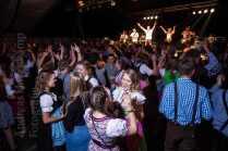 """Oktoberfest der KG ZiBoMo in Wolbeck mit der Band """"Obacht""""."""