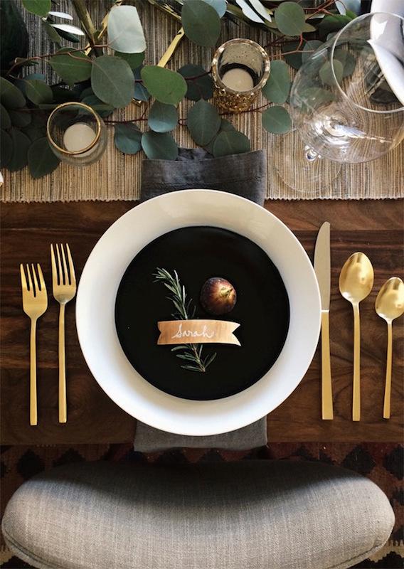 thanksgiving-table-eucalyptus
