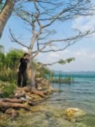 The limpid waters of Lago Peten Itza
